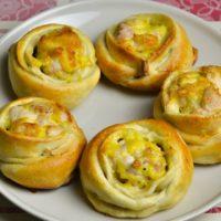 16528 Рецепт Открытые пирожки с курицей и сыром