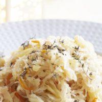 16565 Рецепт Пикантная капуста, тушеная с яблоками