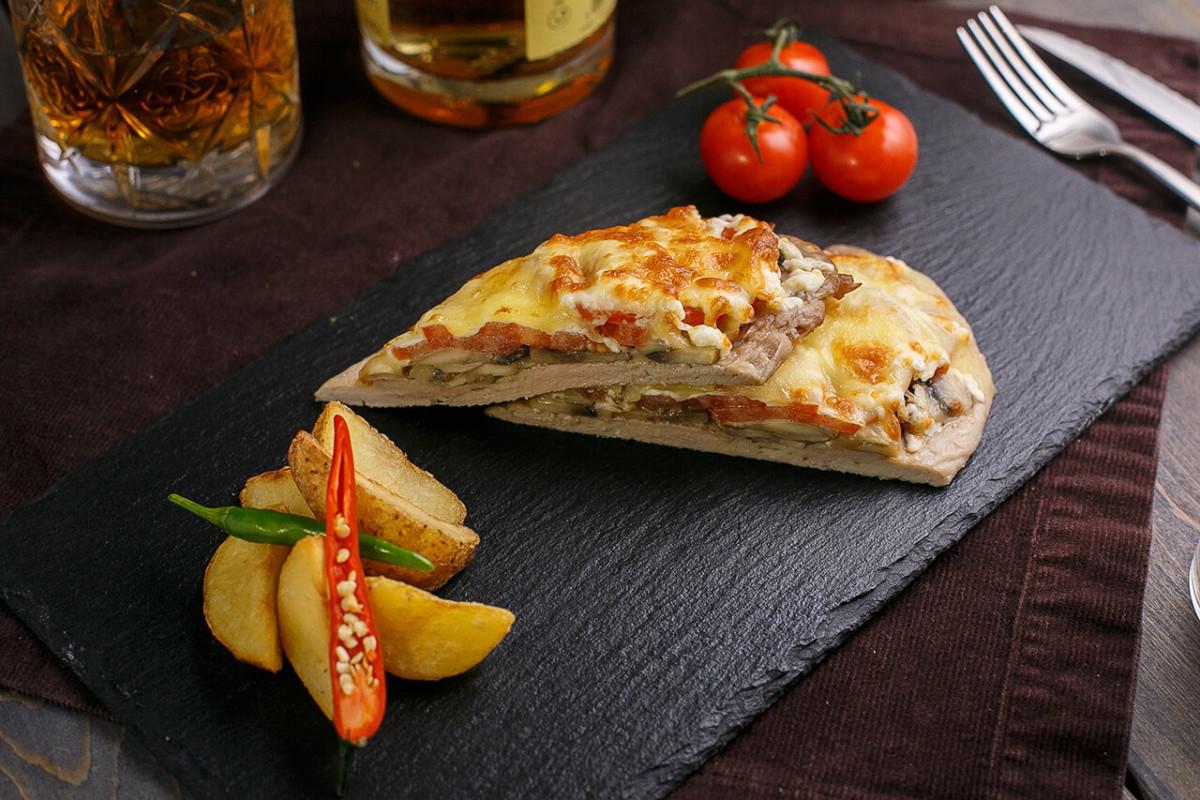 Рецепт Запеченная свинина под сырной корочкой