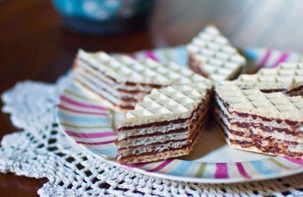 Рецепт Вафельный торт без выпечки с шоколадным кремом