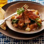 16891 Рецепт Курица в томатном соусе с луком