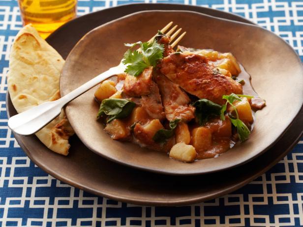 Рецепт Курица в томатном соусе с луком