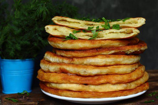Рецепт Тонкие пирожки на кефире с картофелем