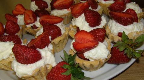 16989 Рецепт Творожно-грушевый десерт в слоеных корзиночках