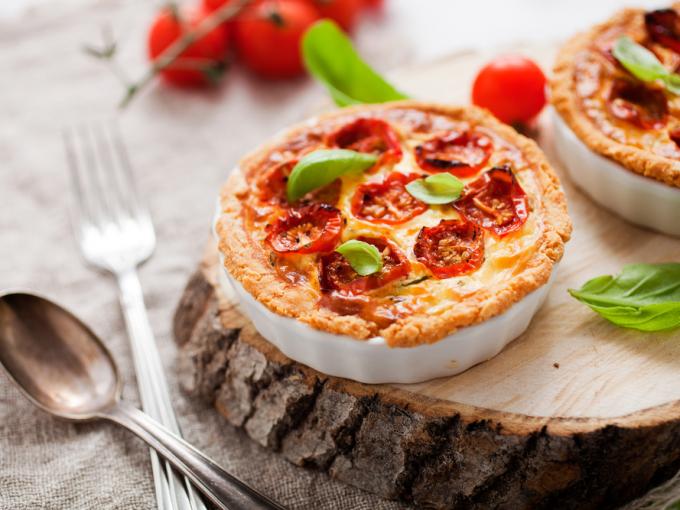 16991 Рецепт Сметанный тарт с помидорами