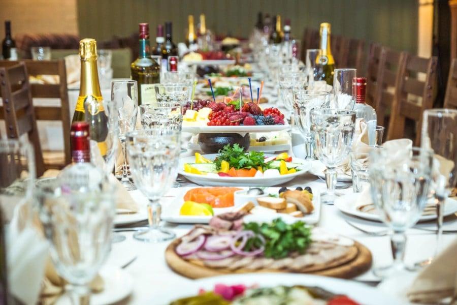 Шампанское – распространённые свадебные традиции