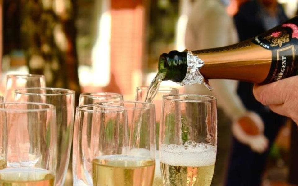 Как отличить качественное шампанское
