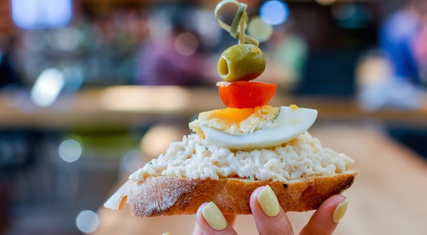 Малышки на миллион: простые и вкусные закуски тапас для стильных вечеринок лета