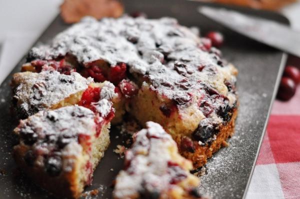 Рецепт: Песочный торт с клюквой