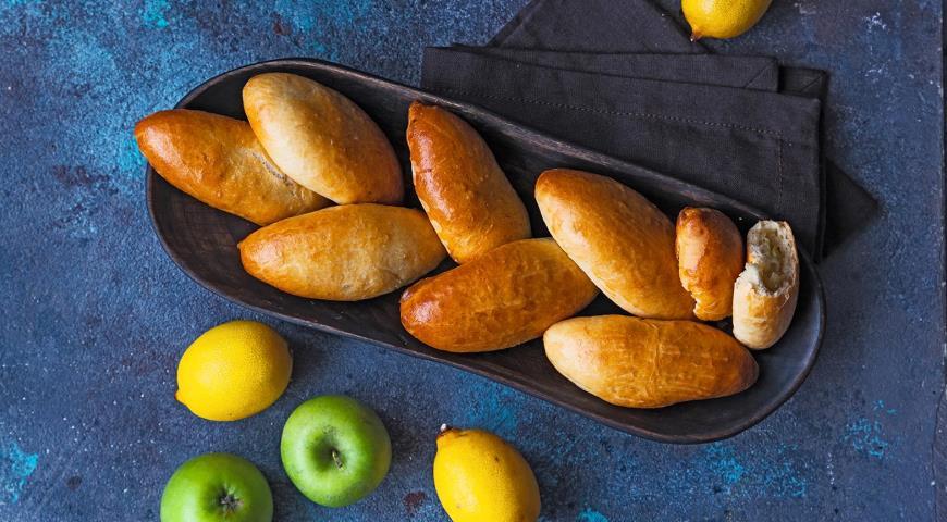 Пирожки дрожжевого теста пирожки с разными начинками для самых голодных и привередливых