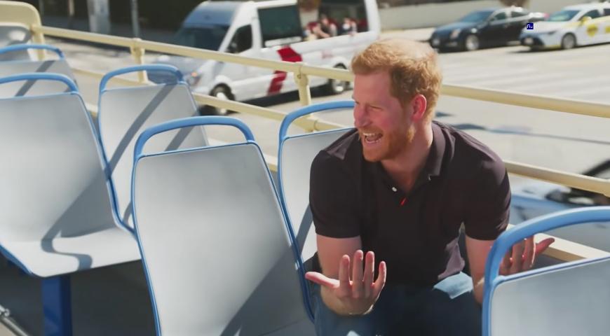 Чем для принца Гарри закончился 5-часовой чай в двухэтажном автобусе